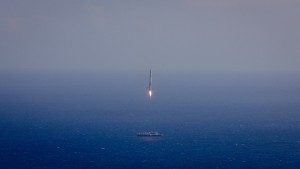 The Falcon 9 approaches the SpaceX barge.